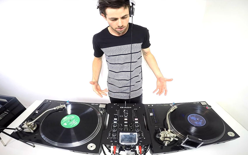 DJing with a vinyl